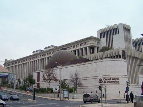 Banco público terá balcões em todos os concelhos do país