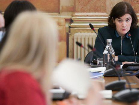 Governo vai estudar efeitos da pandemia nas desigualdades de género e violência doméstica
