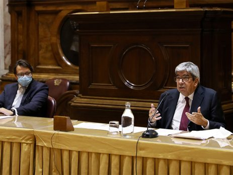 Ferro Rodrigues pede consenso para a recuperação do país